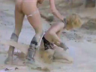 Girls Fight At Construction Field Attract Attention Of Horny Workers
