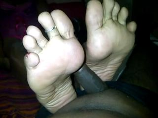 Amateur Ebony Wife Gives Footjob Till Hubby Cums On Her Feet