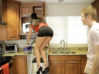 Teenager Gets Generously Rewarded For Being So Kind And Help Stunning MILF In The Kitchen