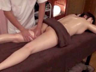 Magic Hands Of Sexy Masseur Made MILF Pussy Dripping Wet And Ready For Fuck