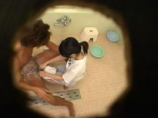 Teen Tekoki In Bathroom