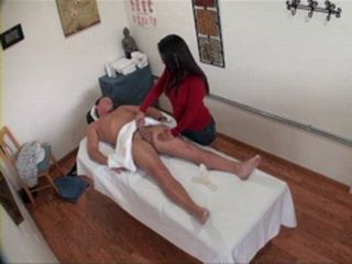 Asian Masseur Girl Asks For Some Extra Cash To Fuck American Tourist