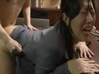 Asian Secretary Spread Her Legs In The Bosss Office