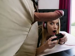 Gamer Chick Won The Joystick For Her Favorite Game