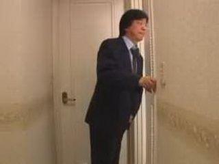 Pervert Daddy Spying Stepdaughter In Bath 3x