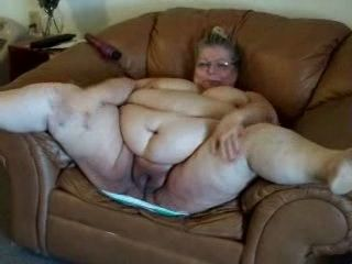 Big Fat Amateur American Granny With Ugly Pussy Gets Fucked By Her Skinny Grandpa