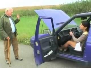 Teens Car Broke In The Middle Of Nowhere And Grandpa Wont Fix it For Free