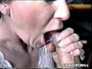Amateur Granny Gets Mouthful Of Cum From Her Grandpa