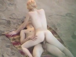Hidden Cam Beach Couple xLx