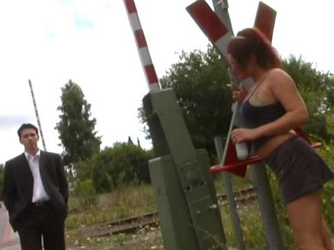 Guy Fucked A Whore He Picked From The Street And Fills Her Mouth With Jizz At Public Park
