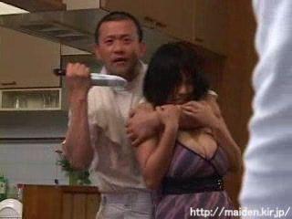 Japanese Mom Fucked While Knife Treathened