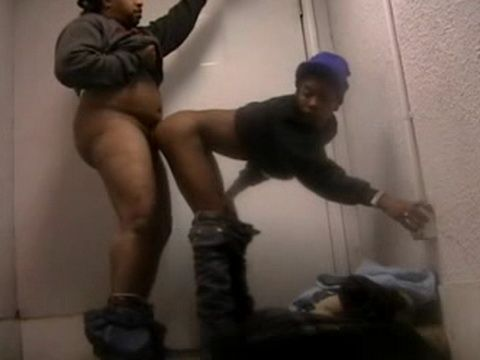 Black Guy Fucks and Creampies Street Hooker at Home