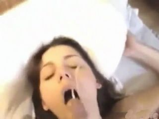 Teen Sextape With Cumshot In Her Eye