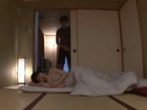 Sleeping Stepmom Hitomi Ohashi Gets Late Night Visit From Her Horny Stepson