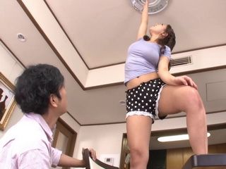Boy Suppose To Help Housemaid To Change The Light Bulb But Her Hot Body Distracted Him