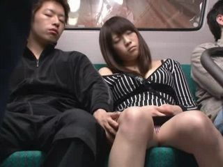 Japanese Teen Fell Asleep at the Wrong Bus