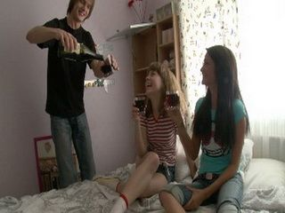 After A Few Drinks Naive Teens Ends Up In Hot Wild Threesome